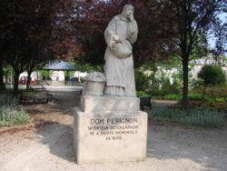 Statue en hommage à Dom Pérignon